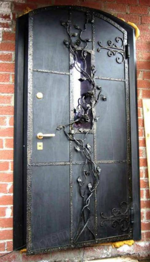 входная дверь для квартиры кованная